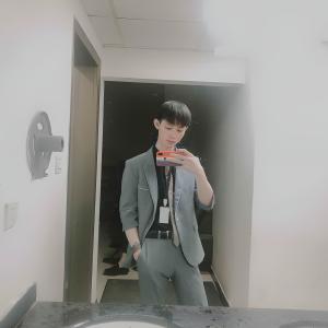 尹先生yV